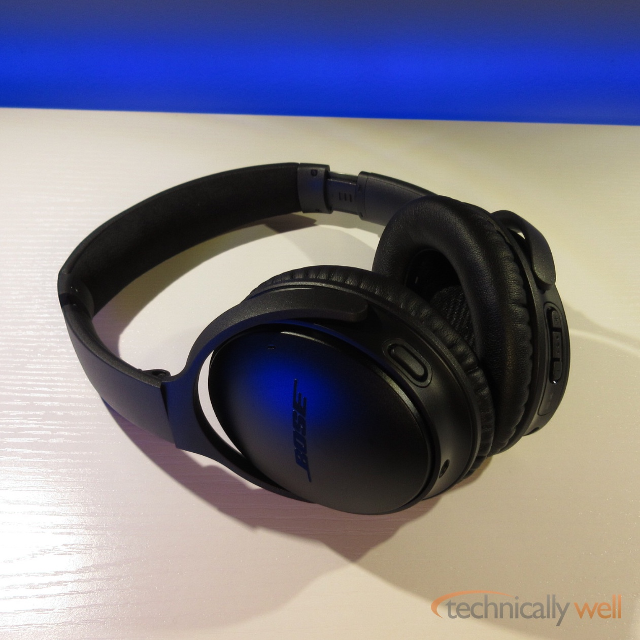 bose 35 ii. bose quietcomfort 35 ii headphones (with google assistant) review \u2013 technically well ii e
