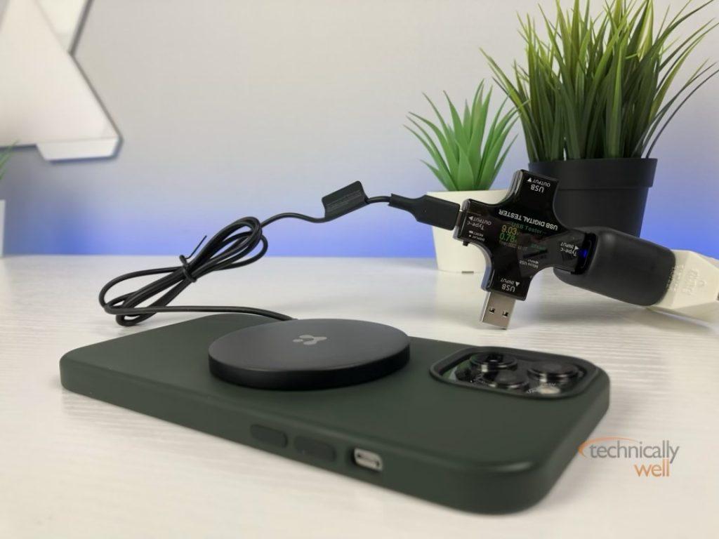 Spigen ArcField wireless charger